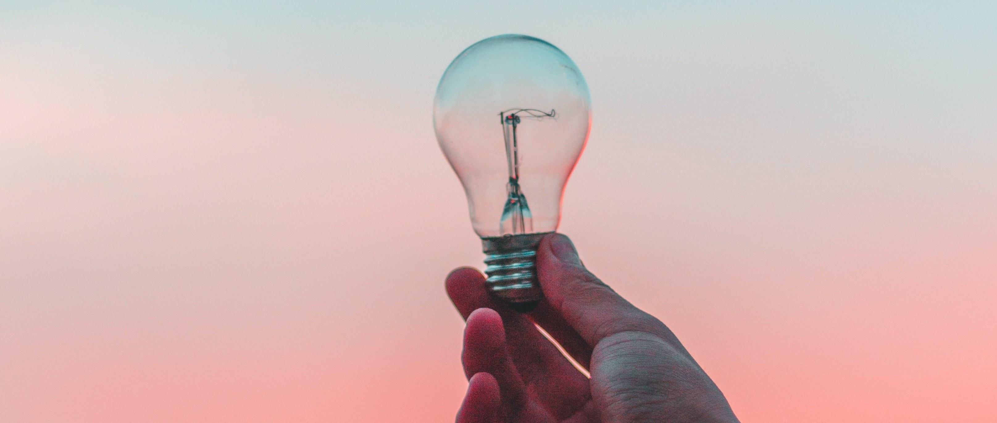 The benefits of blogging lightbulb image