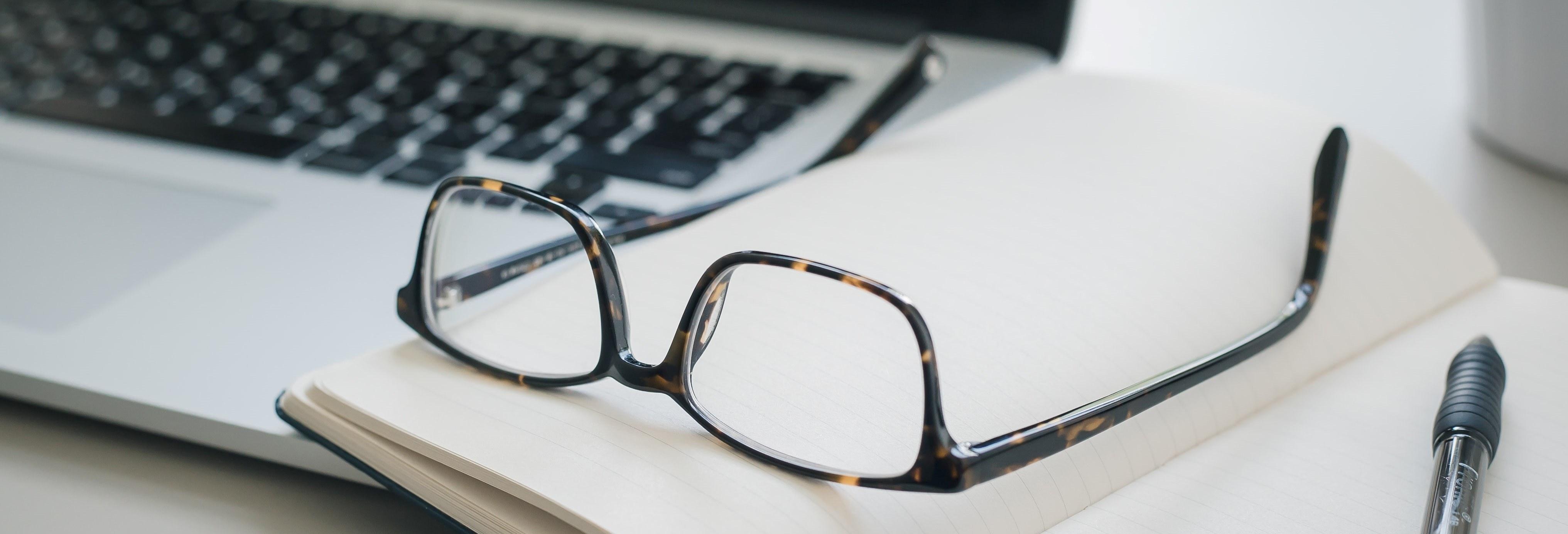 The benefits of blogging work station image